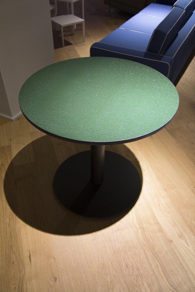 Tavolino Break Stone Cappellini con superficie Nerosicilia